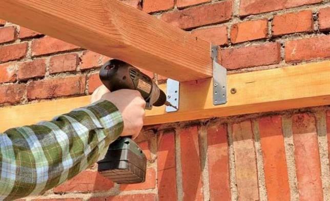 вариант использования анкерного крепления в ремонте стены